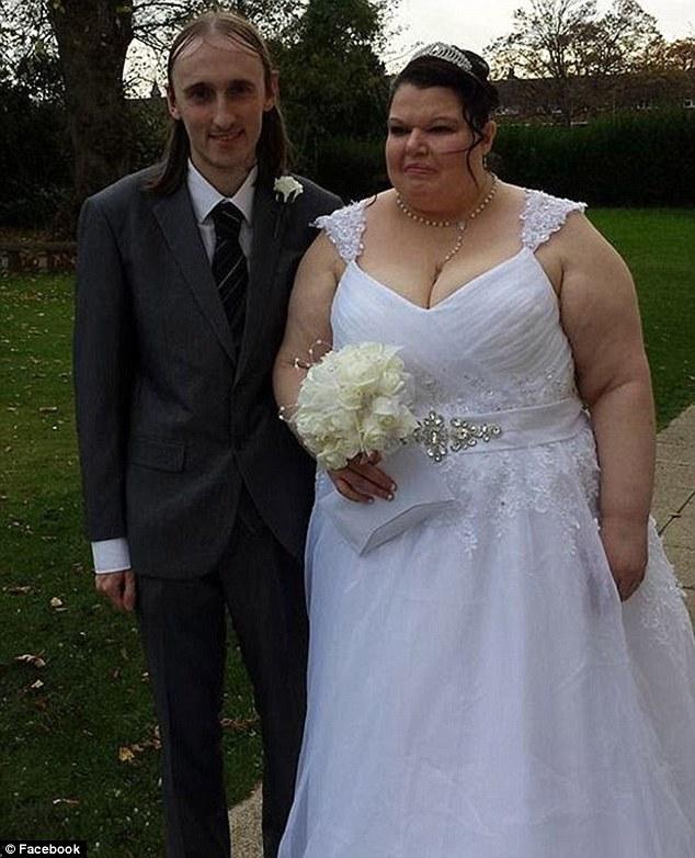 她從網路上買了一台測謊機,每天測試她男友的忠誠度。原因讓我很同情!