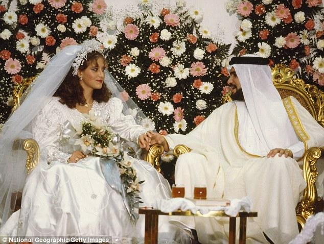 一名阿拉伯男子在結婚當天首次看到妻子的容貌,當下極度嫌惡立刻跟她離婚。