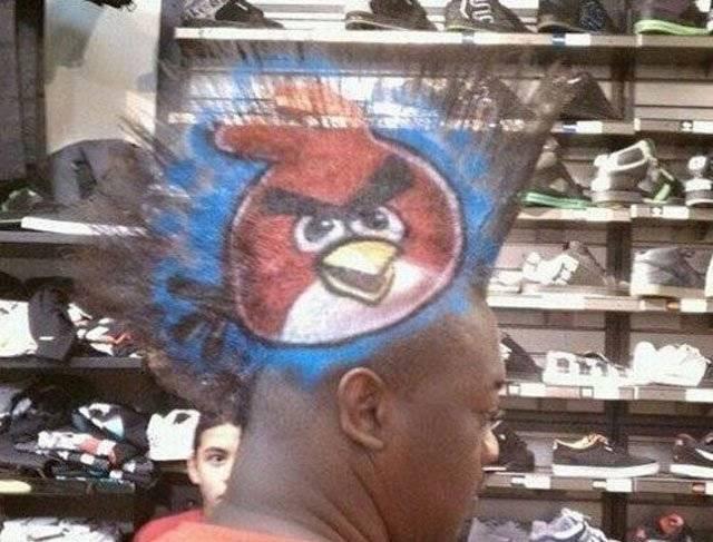 19.) 看到你憤怒鳥的髮型,你身邊的人應該都很憤怒吧...