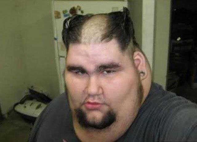 10.) 你的頭髮應該也像是紅海一樣,被摩西劈開了吧?