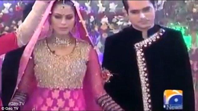 Veena Malik說:「26年如同一輩子,但我對巴基斯坦的最高法院有信心,我相信最後的判決會是正義的。」