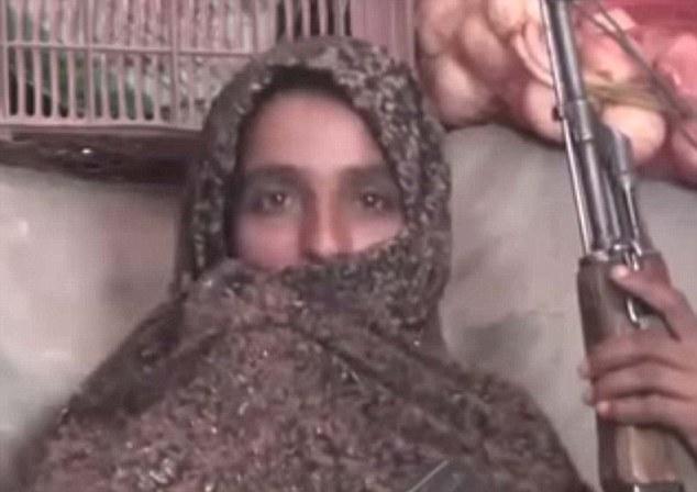 她的媳婦也說:「當我們攜帶著輕型和重型武器到戰場的時候,這場戰爭相當劇烈,但我們也決定戰到最後一顆子彈。」她也說,在槍戰結束後,這個檢查站遍地都是塔利班武裝份子的屍體。