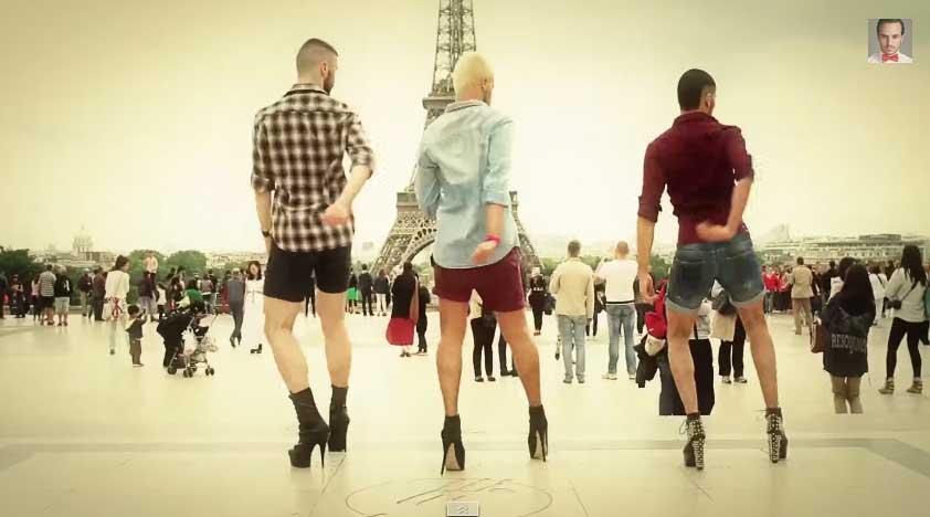 3名男舞者穿著高跟鞋在巴黎鐵塔前面跳的辣妹舞,絕對比女生還要艷!