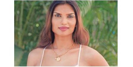 印度模特兒India's Malika在出道前就已經進行了無數次性別轉換的手術與藥物治療,在2011年,她以第一位來自印度的選手參加國際皇后小姐比賽。