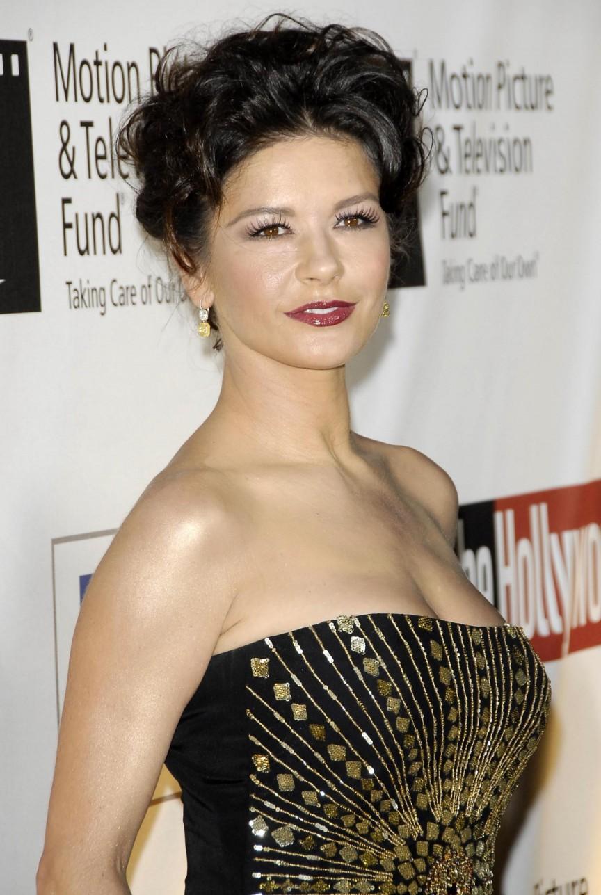 2. 凱薩琳‧麗塔瓊斯 (Catherine Zeta-Jones)