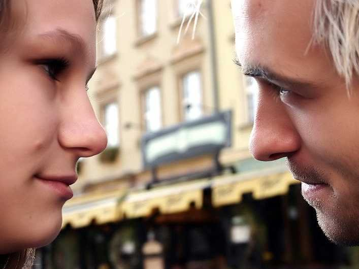 科學家分析數千對情侶,終於找到美好長久愛情的終極秘訣。秘訣:「邀請與回應」率!