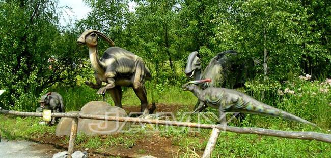 不只有穴居人喔,連恐龍機械偶都有!(好啦,一點都不稀奇,等到他們有賣真正的恐龍時再叫我...)