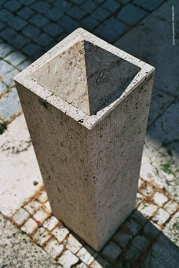 金字塔柱。