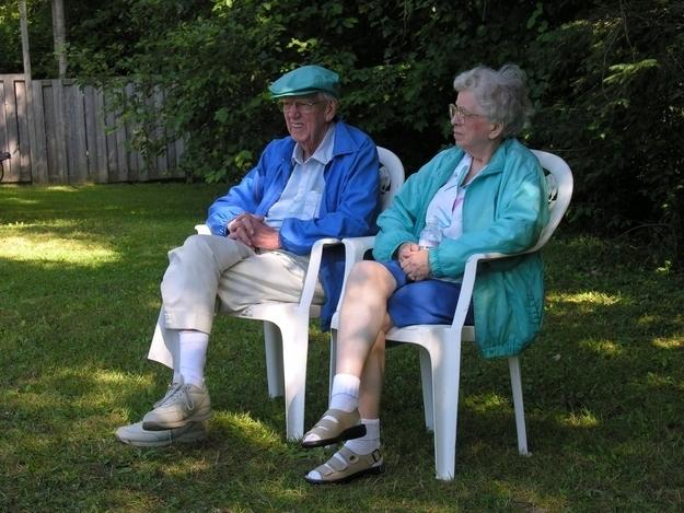 22. 在你的祖父母過世前,錯失多問他們問題的好機會。