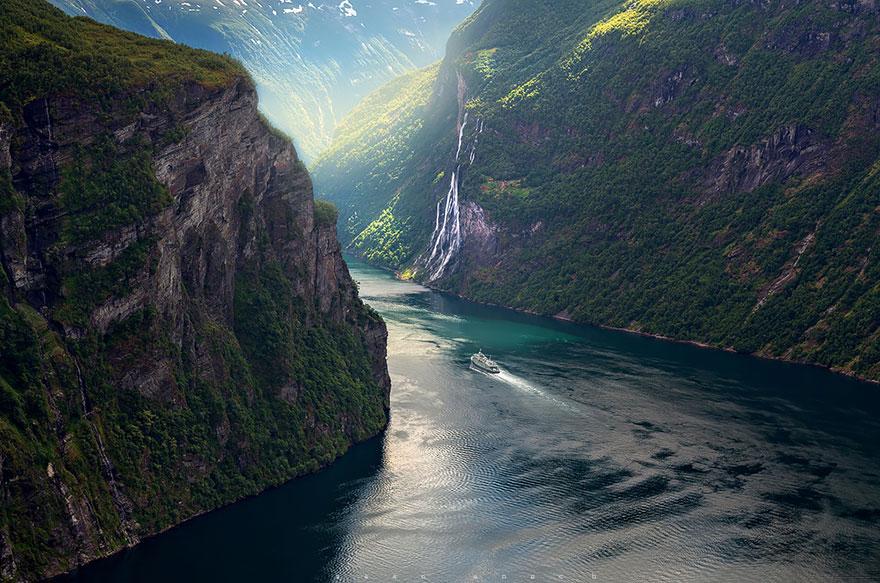 12.蓋朗厄爾峽灣 (Geirangerfjord)