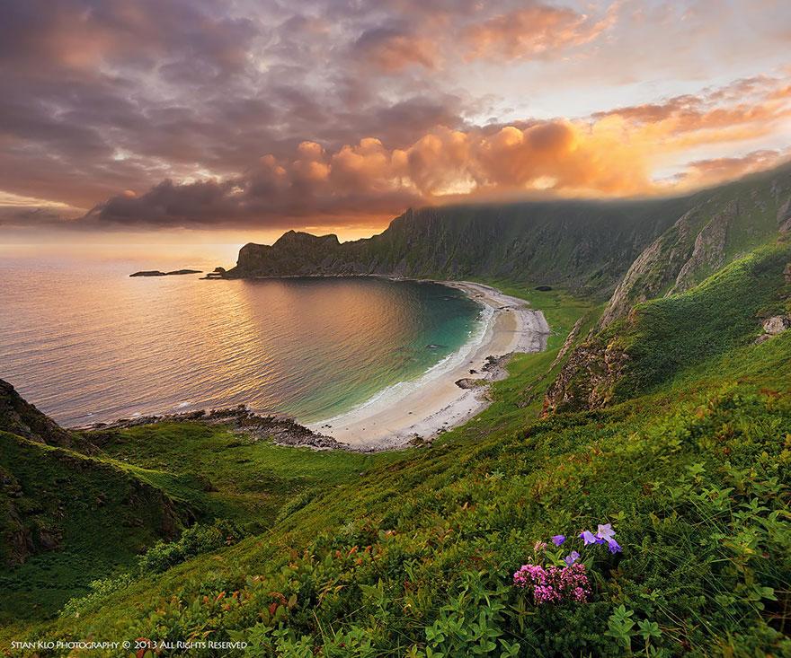15. 韋斯特羅倫,安德的荷維克海灘 (Høyvika Beach On Andøya, Vesterålen In Northern Norway)