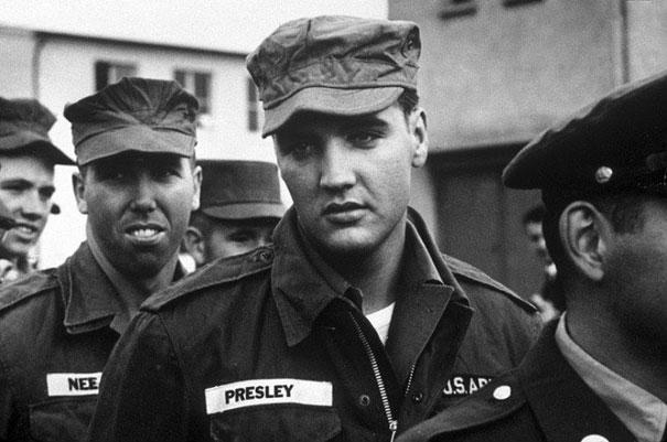 #26 1958年,軍隊裡的貓王。