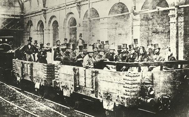 #23 1862年,倫敦Edgware Road車站,首度的地下火車啟程。