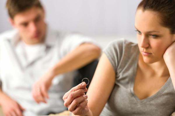 5. 一旦妳的新戀情並不如預期中順利,妳也有了隨時離開的勇氣。妳會為自己挺身而出,然後跟對方說:我不會再屈就在謊言裡了!。這也表示,妳是有自己的標準和原則的。當同樣的事情發生,而女人為自己挺身而出時,別人可以能會覺得這是一個醜聞、是很丟臉的事情,但妳看到的不一樣,妳知道那是韌性、那是勇氣。