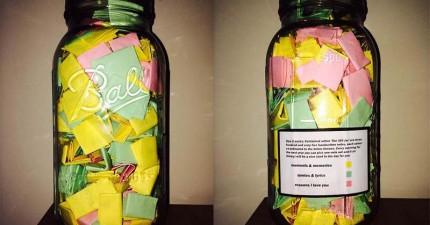 男友製作了365張「浪漫紙條」放在這個罐子裡給女友。每種顏色代表不同的類別呢!