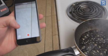 看看這個人把他的iPhone 6丟到滾燙的可樂裡。