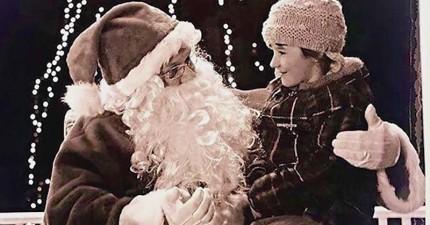 6歲的聽障女孩跟聖誕老人要禮物,而聖誕老人的意外舉動點亮了她的耶誕節。