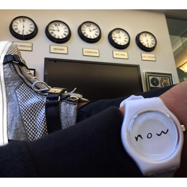 克雷格大衛 (Craig David) 的手錶看不到時間。