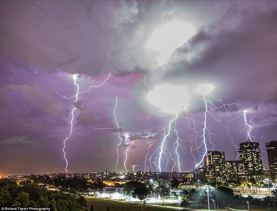 你知道澳洲夏天時的天氣異象有這麼瘋狂嗎?