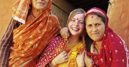 不要再找藉口了,因為這名21歲的女大生每天只花10塊美金就完成了環遊世界的夢想!