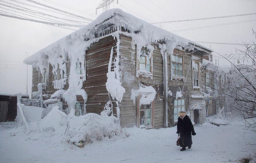 全世界最冷「零下67度」的地方 「車子不能熄火」居民生活超瘋狂!