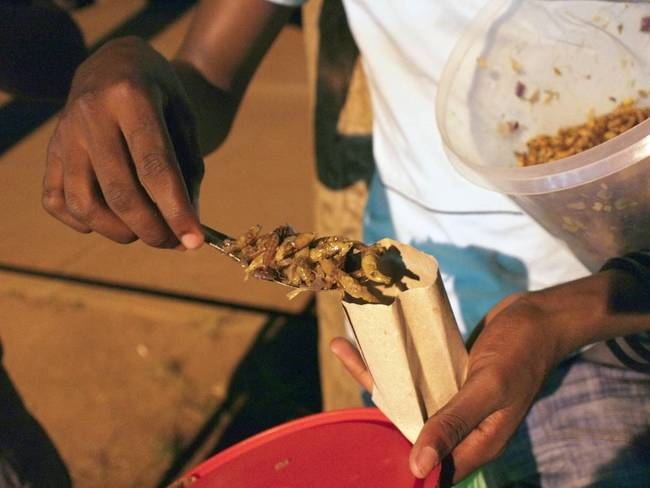 6.) Nsenene(一种非洲蚱蜢)