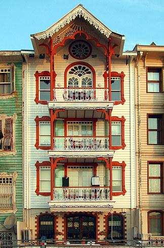 19.鄰近的Arnavutköy非常的美麗,也非常值得一看: