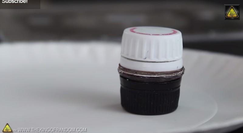 所有人都一定會丟掉的寶特瓶,居然可以被簡單DIY成這個每人都需要的隨身小容器!