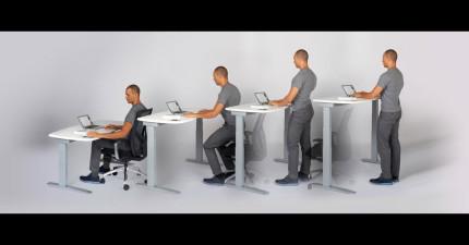 這張智慧辦公桌會強迫你一定要有最完美的姿勢,讓你永遠不會腰酸背痛。