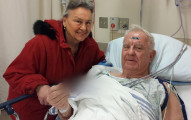 老先生車禍51年來都沒有問題,直到他走過金屬探測門時警鈴大響...