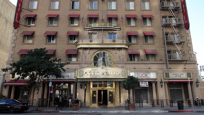 此外,在50年代和60年代時,塞西爾酒店更被視為最多人跳樓自殺的地方。