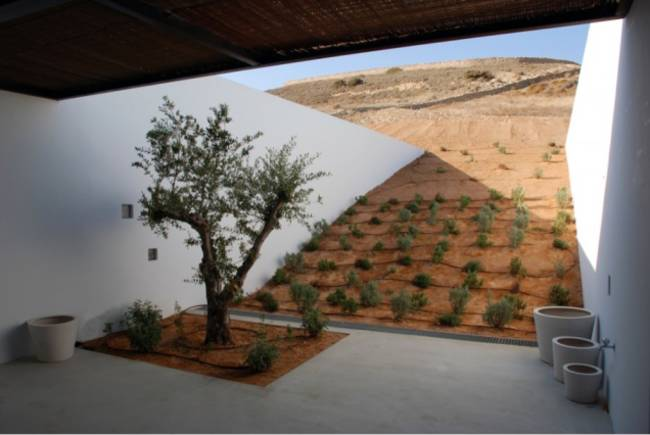 <p>The result is spacious and airy, not cave-like at all. </p>