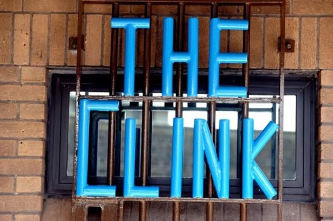 這間餐廳被評選為地區最棒的餐廳,但原因竟是裡面工作人員的來頭...