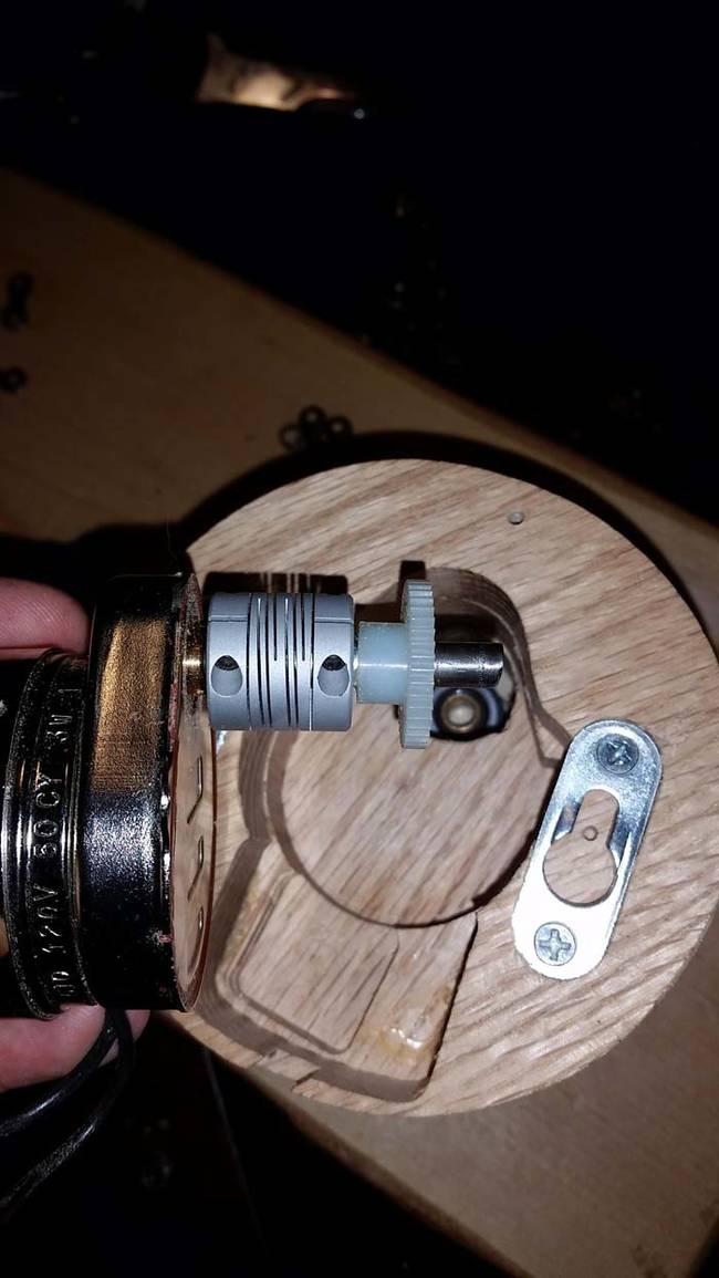 這名設計師把一台腳踏車拆掉,然後做成這個世界上最酷的時鐘。