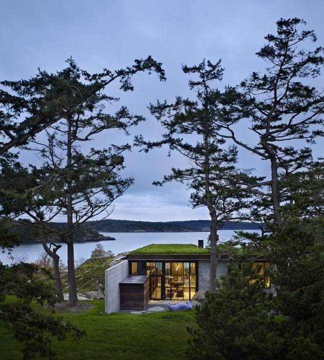 <p>Keeping a low profile, it doesn't encroach on the natural beauty of the Pacific Northwest.</p>
