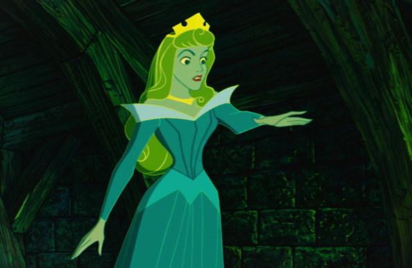 當姐妹又叫了一輪龍舌蘭,妳知道妳不能再喝了但手還是深了出去時。