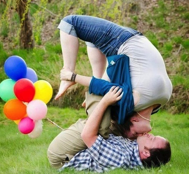 This utterly inexplicable engagement photoshoot.