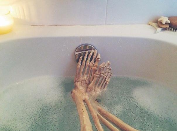 泡澡真是人生一大享受!对骨头也是!