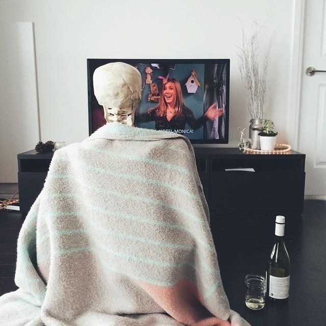 骨莉平常也会宅在家里看连续剧。