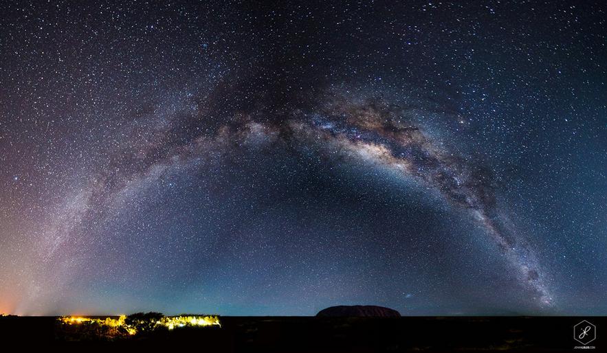 澳洲北領地 (Northern Territory) 的烏魯魯 (Uluru)