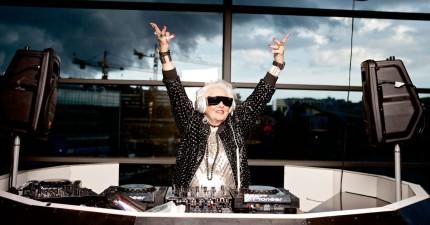 最新研究證實:60多歲才算是中年!你到70歲才能算是步入老年。