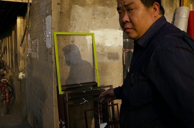 這個抄水錶工每天工作太無聊了,因此他趁路人不注意拍下這些讓人會賊笑的經典照片。