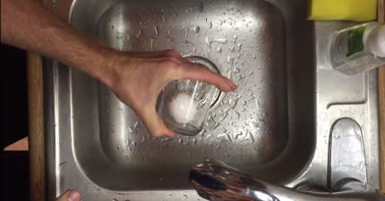 沒時間在那慢慢剝水煮蛋蛋殼了啦!教你5秒剝光光神技!