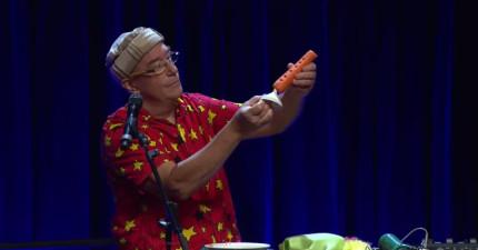 他在紅蘿蔔上鑽了幾個洞,結果就變成我聽過最好聽的單簧管!