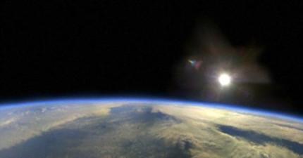 科學家高空平流層發現了這個神祕「金屬球」,證明外星人在地球散播生命?!