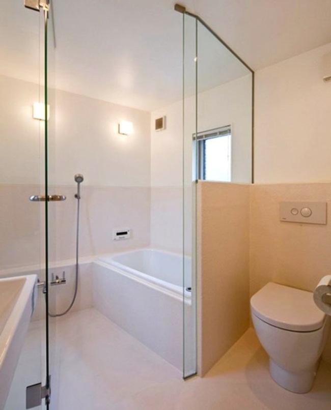 仔細看看!就算說這間房子非常的小,它仍然有辦法善用空間,讓浴室如此的寬敞!
