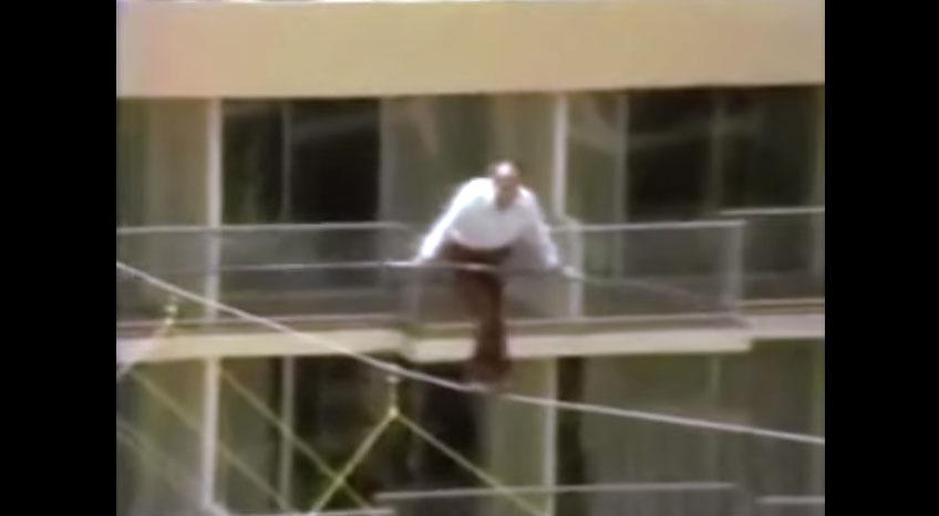 這名全世界最有名的78歲高空走鋼索家想要在死前挑戰最後一次,不幸失敗的恐怖片段都被記錄下來了!