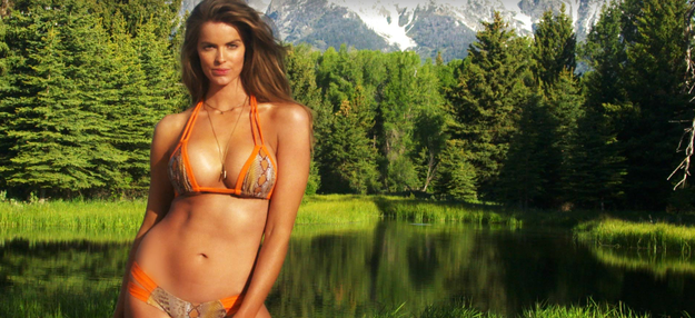 But Robyn Lawley is ACTUALLY the first plus-size model to ever be included in a Sports Illustrated editorial.