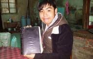 這位台灣男孩每天不停抄寫生活瑣事到筆記本裡,為的就是拼湊出他失憶的人生!