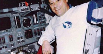 美國太空總署前工程師揭露目睹270公分高外星人與太空人接觸的神祕經驗。